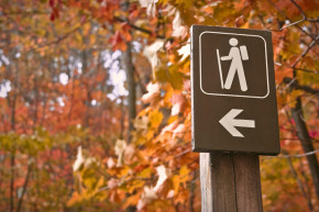 fall hiking sign
